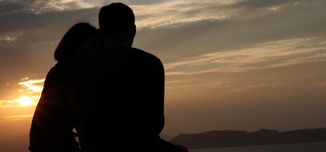 【メール鑑定】1年前別れた彼氏を忘れられず、復縁出来ますか?